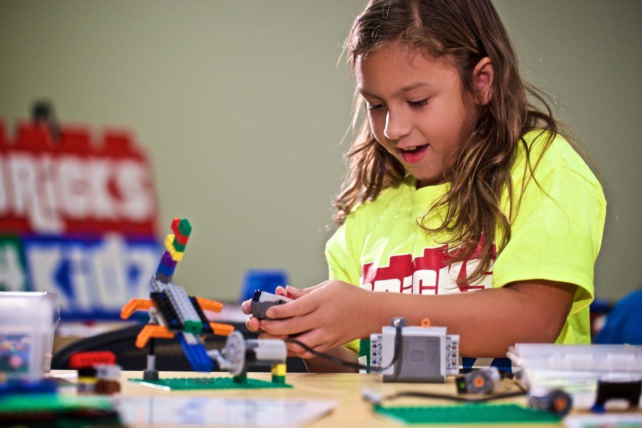 Programe Lego Bricks 4 Kidz copii 5-12 ani